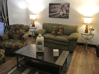 Cozy 1 Bedroom Upstairs Apartment in Two Rivers