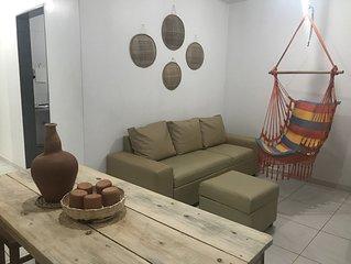 Alugue por Temporada Excelente Apartamento Mobiliado à 900m da Praia de Atalaia