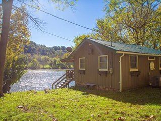 Cozy, Waterfront Home on New River - Onida