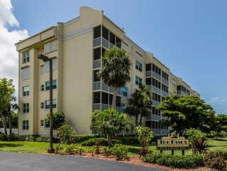 ESSXN503 - Beautiful 2 bedroom condo on south end, close to beach