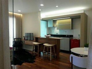 Charmoso Aptº  estilo Loft com 2 Suites e garage, academia e piscina coberta