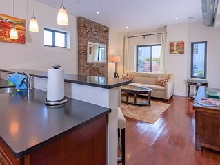 3BR Duplex Loft w/ Roof Deck near Grove St PATH