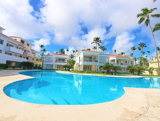 Los Corales. Close to Everything. Free WiFi, pool, parking. La Terraza A3