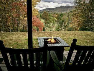 2 King Suites-Pastoral and Mountain Views-Sparkling Hot Tub-N.O.C. 10 min. WiFi