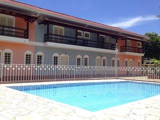 casa na praia em cond. fechado ampla, aconchegante para toda família com piscina