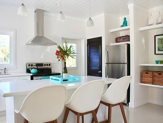 *NEW* 2BD 2BA Ten Bay house, 2 min walk to beach