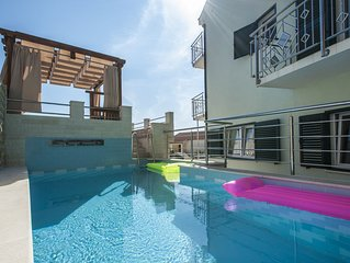 New Modern Villa In Sevid For 10-12 Persons