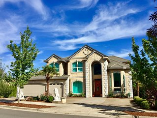 LUXURY PROPERTY in Happy Valley Oregon