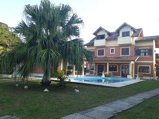 Casa frente a Praia com Piscina para até 20 pessoas