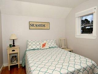 Footbridge Beach Cottage (3 Min Walk) Cute, Clean & Comfortable (Ocean Street)