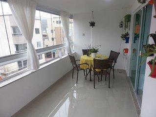 Lindo apartamento a 1000 mt da praia central e proximo de centro comercial de BC