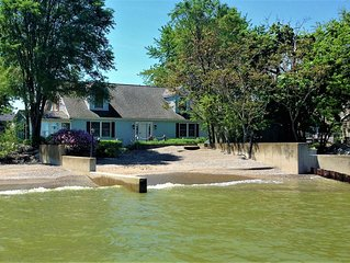 Delightfully Spacious Private Beach-Front Home Sleeps 13 on Lake Erie!