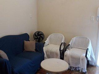 Apartamento confortável na praia do Gonzaga Santos, bem próximo a praia!