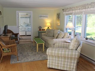 Light and Bright 3BD--A/C, Outdoor Shower, Walk to Cold Storage Beach