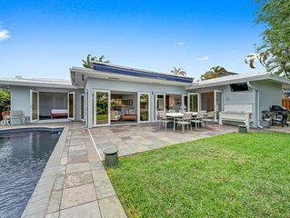 Ultimate Luxury Home for 10-Walk to Beach-Pool 3/2