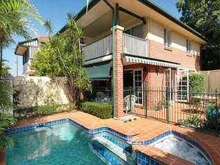 Stunning 3 Bedroom Home - Close to Everything