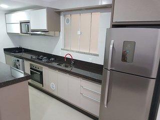 Apartamento Novo 3 dormitórios 7 pessoas Praia Bombas Bombinhas