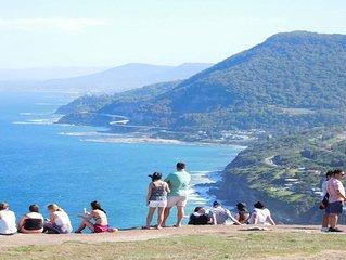 A Sanctuary Thirroul NSW Getaway Illawarra, amazing ocean views. Sleeps 6