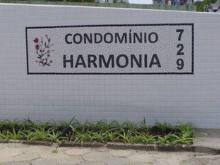 CASA EM CONDOMINIO, INGLESES  PARA 12 OU 16 PESSOAS COM WI-FI , AR COND. SPLITS,