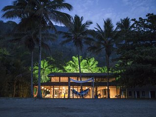 Maravilhosa Casa na Praia frente ao mar na paradisiaca Ilha Grande