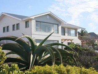 Luxury Ocean front Villa, 2-6 Bedrooms, Hermanus Cliffpath