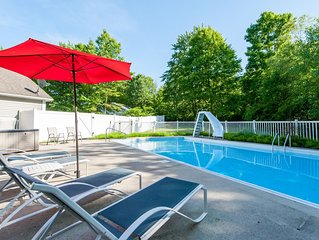 Swimming Pool, Hot Tub & Screened Porch w/Fireplace Overlooking Wooded Ravine