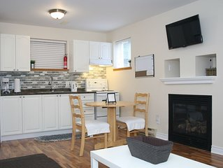 Willow Creek - Cozy suite with private entry and dedicated laundry.