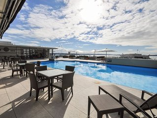 Head to the Harbour from a Sunny, Historic Home * Pools, Gyms, Sky Tower(3mins)*