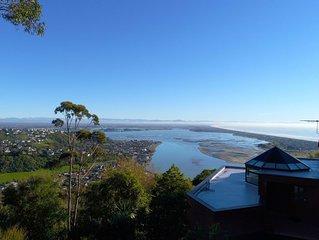 Hill-side sanctuary - Stunning views