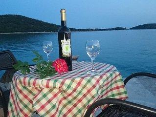 Guest House Loranum with private beach