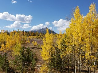Sunshine and views of Breckenridge and Keystone in a large (1100 sq ft) space!