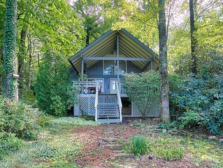 Comfy Cottage Within Walking Distance to Lake Toxaway Country Club and Marina