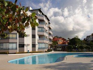 Otimo apartamento de dois quartos, acesso direto e exclusivo  para a praia