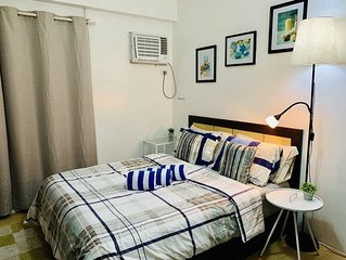 STUDIO near MRT Station & MALLS w/ Unli WiFi and NETFLIX