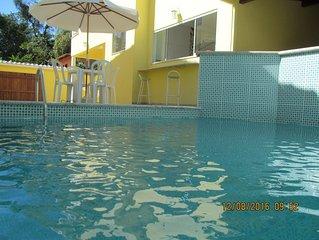 Linda casa com piscina e três quartos em Paraty