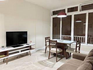 Apartamento super bem localizado perto da praia de Copacabana ( SL704)