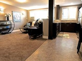 Beautiful 2 Bedroom - Located a block to Wascana Park - Beautiful 2 Bedroom - Lo
