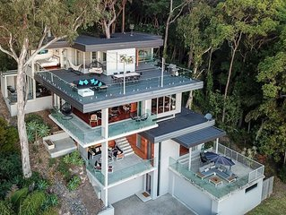 Oceans 12 in Currumbin - 4 levels of ultimate luxury and pet friendly!