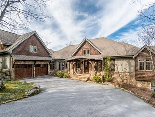 *EXQUISITE* Mountain home with Covered Outdoor Kitchen and space for the entire