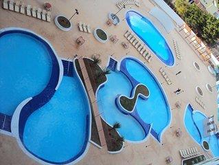 Riviera Park Thermas com 14 piscinas, parque aquatico infantil,piscina coberta.