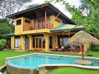 Aracari... .Panoramic Ocean and Jungle views, Whales Tail, Pool, A/C.....5 Star!