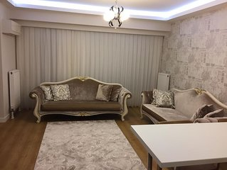 New Luxury 5-Star Apartment In Great Building