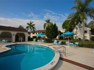 Comfortable and relaxing Venice condo close to shopping, restaurants, beaches an