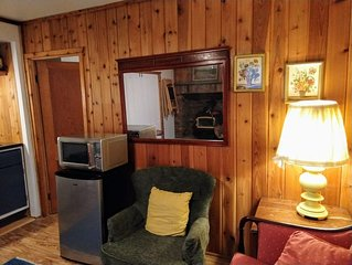 SERENE SUITE CLOSE TO TOWN BUT REMOTE ENOUGH TO ENJOY NATURE