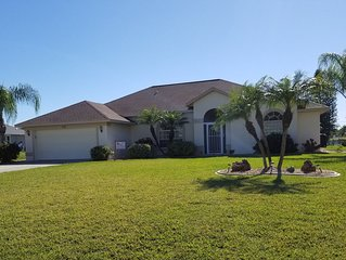 Bright and open home with southern exposure in Rotonda West. A tropical getaway!