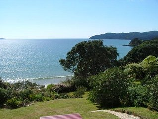 Coopers Beach Retreat- the black bach, Coopers Beach,