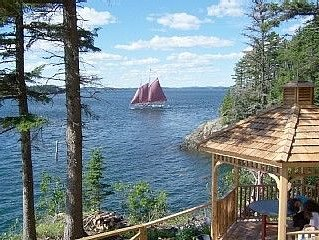 Secluded Oceanfrot cottage:Unbelievable oceanfront views-Screened in Gazebo