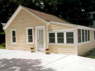 Great location! Cozy 3 bedroom, 1 bath cottage - in the heart of Rehoboth Beach!