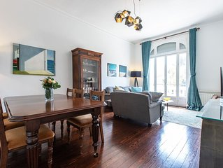 NEW! Spacious, Bright 4-Bedroom Apartment minutes to Beaches & Palais.