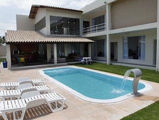 Casa de Luxo com 330 m², piscina, 6 dorm (3 suite)